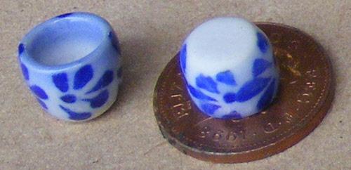 1:12 Scale Blue /& White Ceramic Bird Bath 3.5cm Tumdee Dolls House Accessory B7