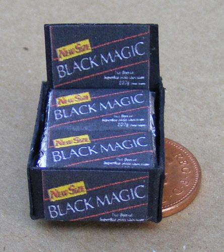 Tumdee Miniatures Dolls House Miniature Black Spangles Display Shop Box